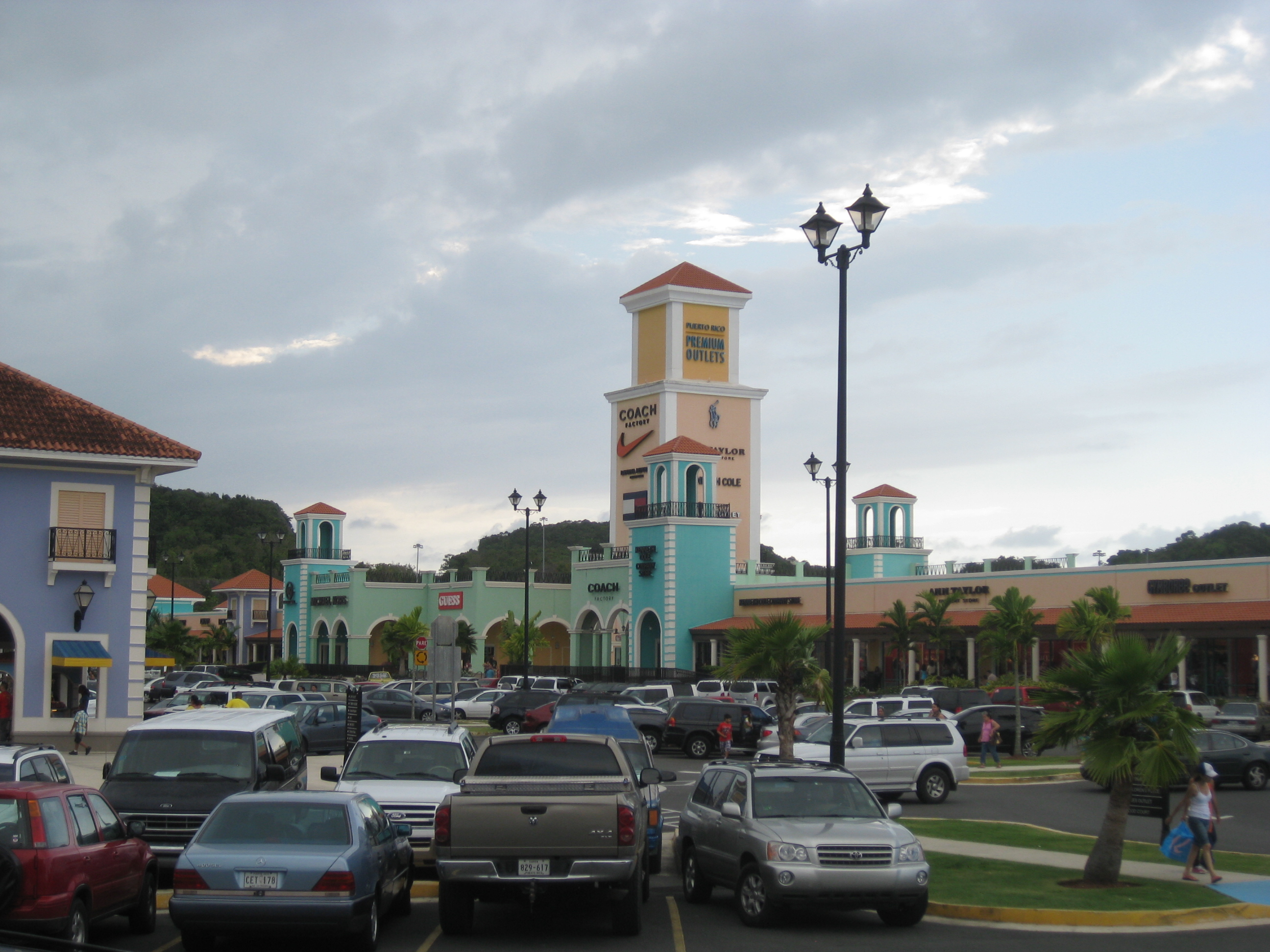 Where To Go Shopping In Puerto Rico Traveling4work